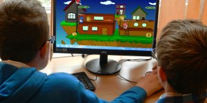Pros and Cons of Online Gaming: Things to be considered